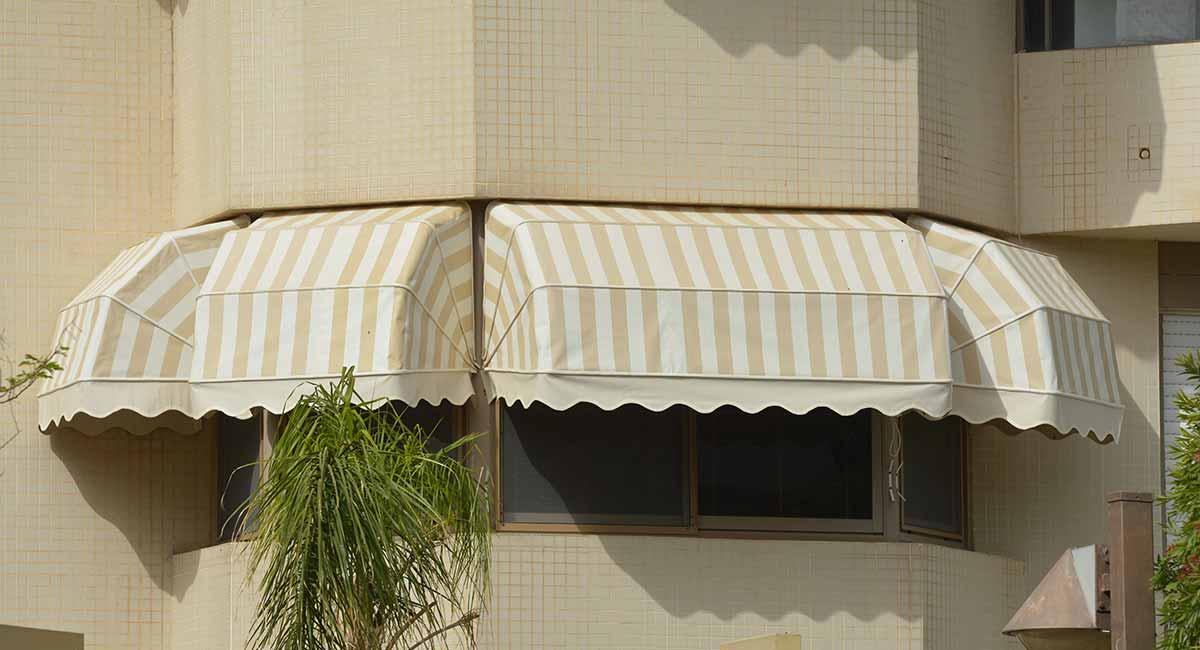ארבע מרקיזות חלונות ויטרינה