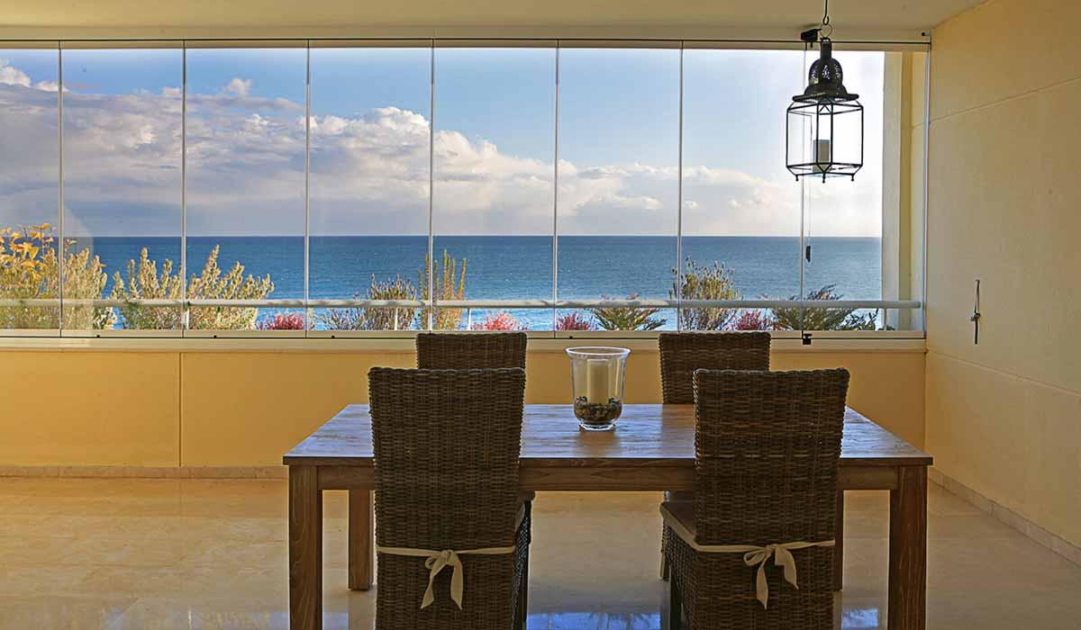 חלונות זכוכית נוף לים