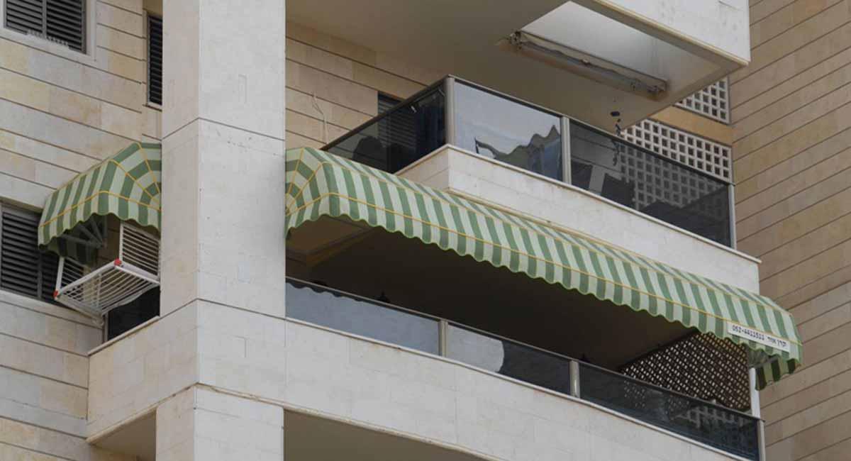 שתי מרקיזות מבד דראלון למרפסת