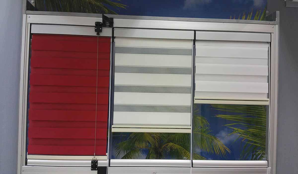 חלונות הזזה נאספות עם וילון הצללה -1