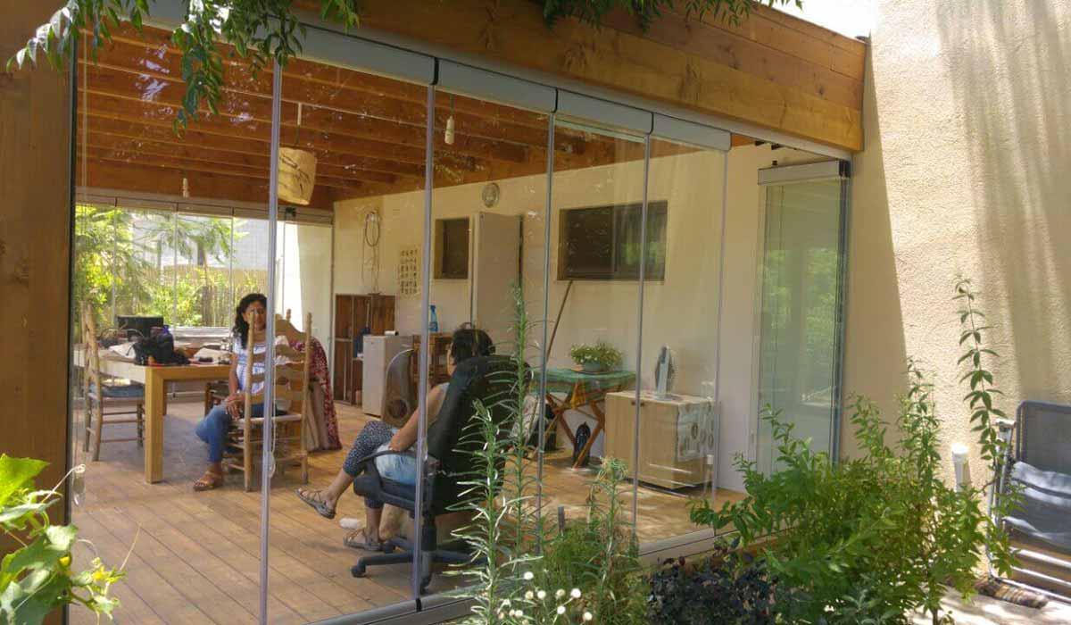 חלונות הזזה נאספות משולבות לפרגולה עץ - 5