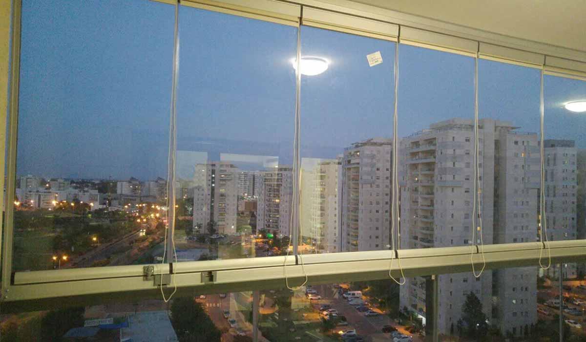חלונות נאספות עד המעקה - 2