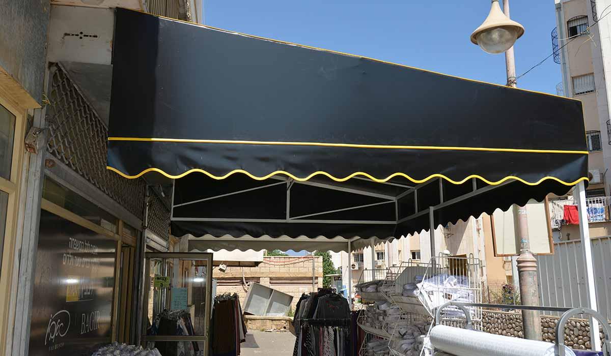 סוכך חנות הלבשה של בגיר-2